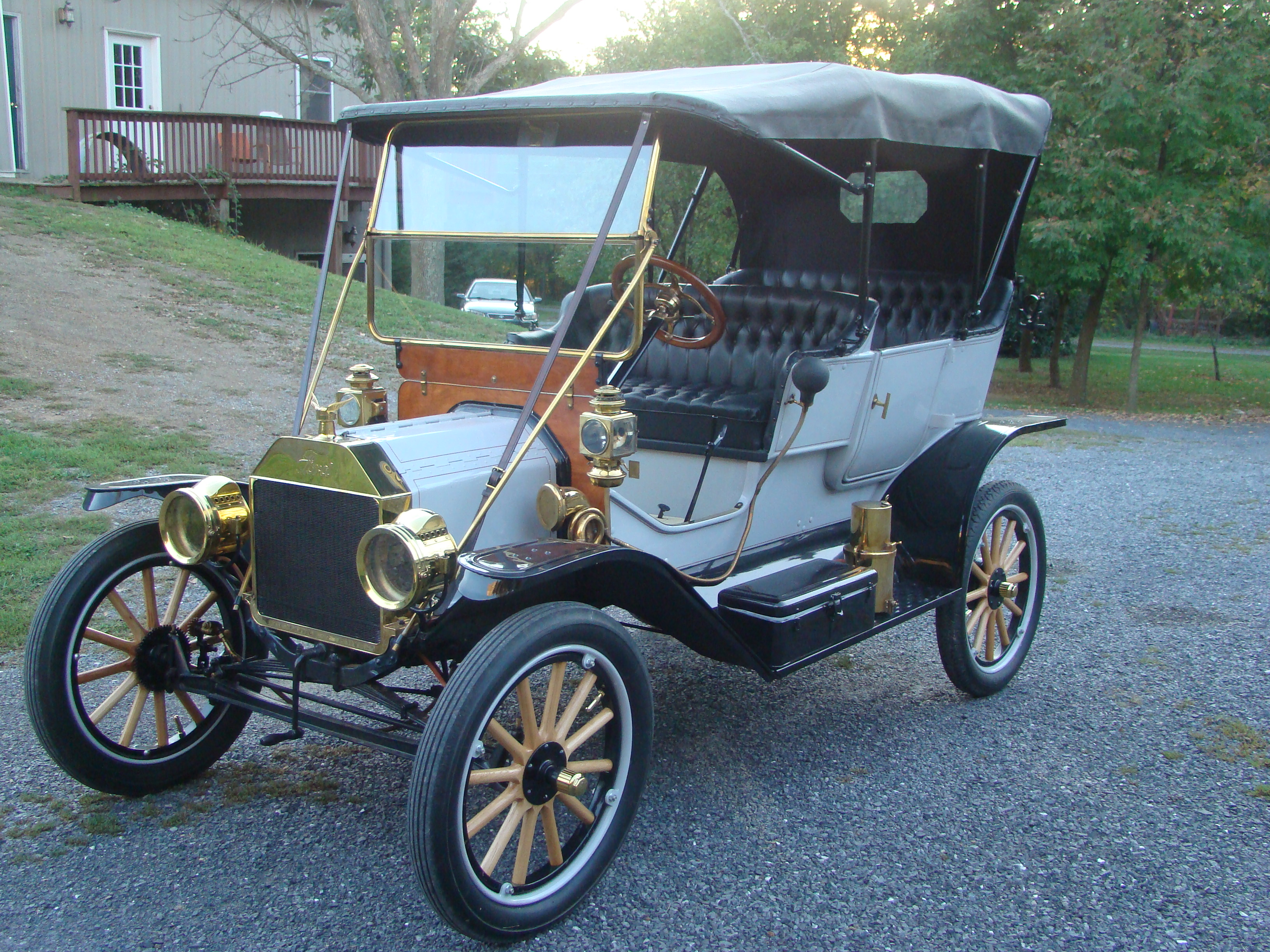 1911 Ford Model-T - Laferriere Classic Cars