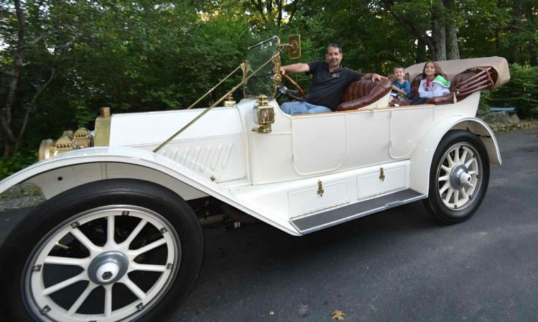 1913 Oldsmobile Defender