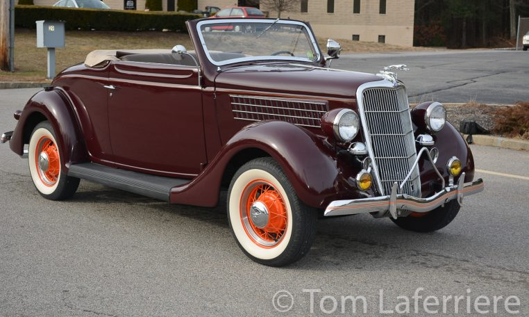 1935 Ford Deluxe 48 Cabriolet